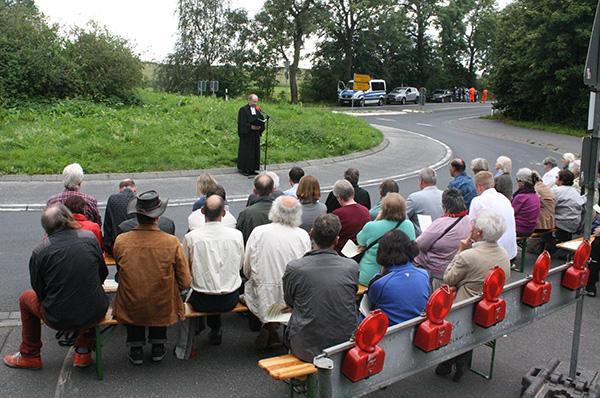 Archivfoto: Friedensandacht mit Präses Manfred Rekowski vor dem Bundeswehr-Fliegerhorst Büchel.