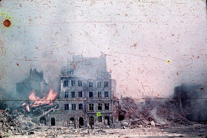 Warschau im August 1944, Foto von Ewa Faryaszewska (1920-1944)